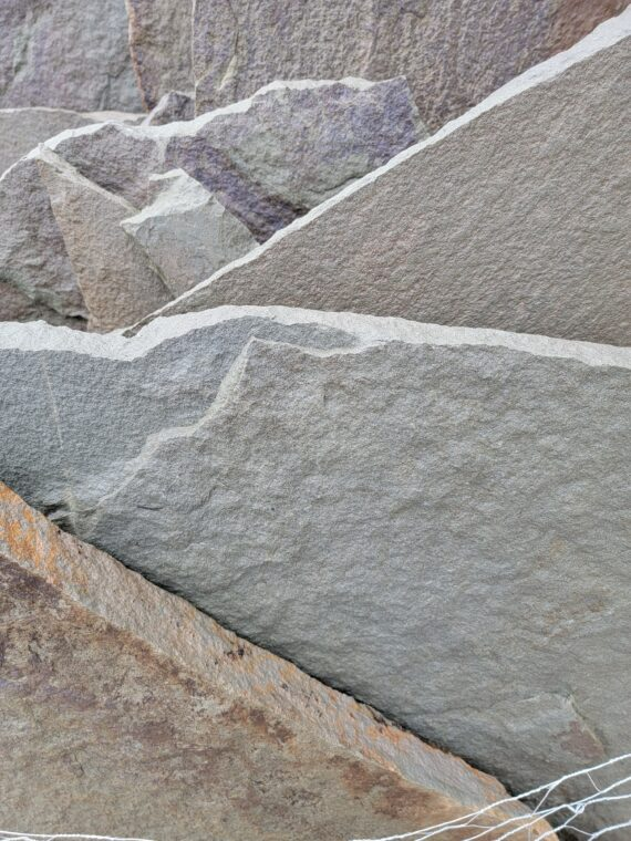 PA Bluestone Irregular Flagstone